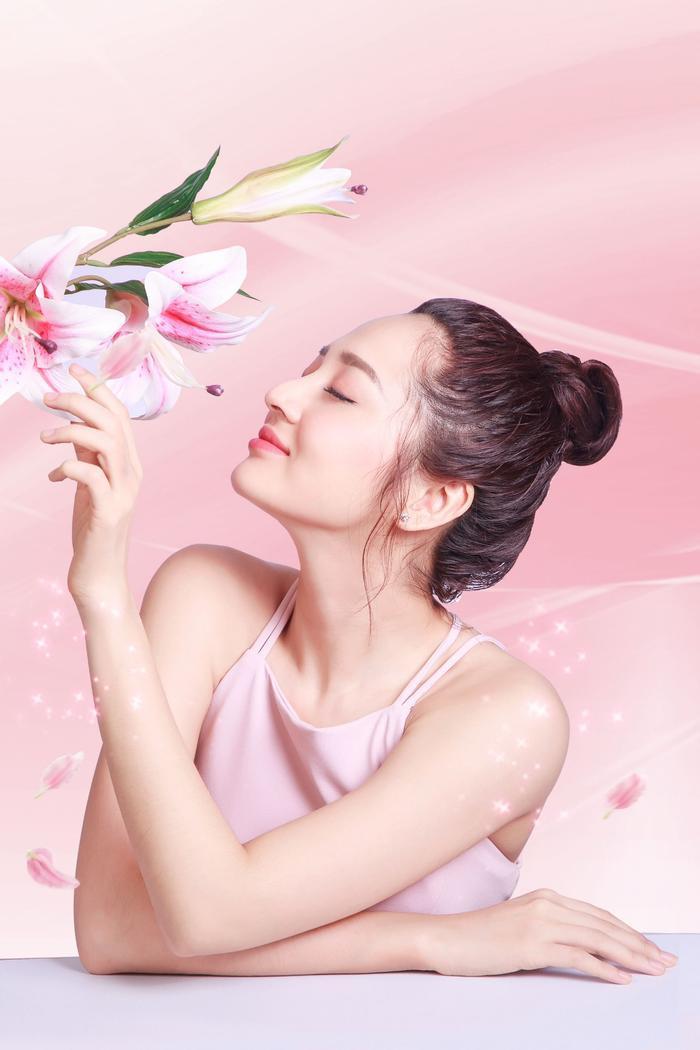 Hương nước hoa từ Sữa tắm Gervenne giúp nâng niu cảm xúc.