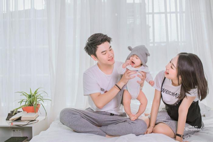 Gia đình hạnh phúc của cô với bé Xoài đáng yêu