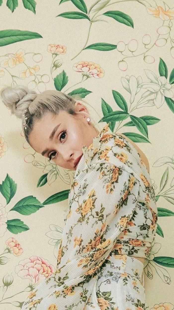 Ariana đã cảm thấy bản thân bị đánh giá thấp khi cô là người duy nhất bị BTC Grammy bắt ép chọn ca khúc khác để trình diễn.