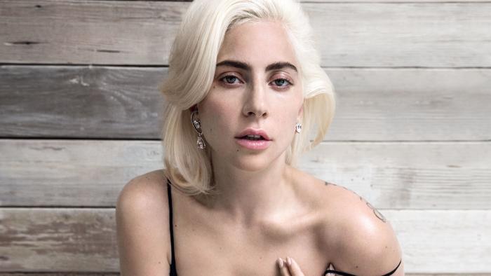 Lady Gaga hiển nhiên sẽ ngồi ở vị trí trung tâm để tiện cho việc biểu diễn và…nhận giải!