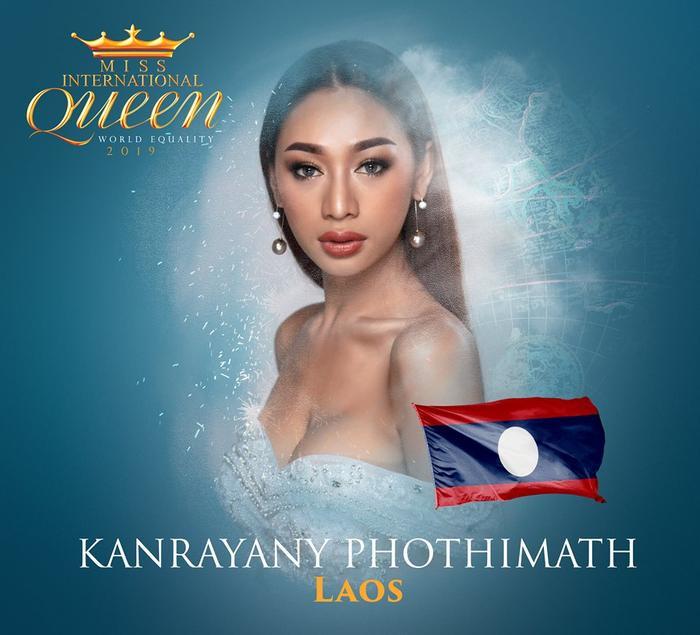 Kanrayany phothimath đại diện Lào, 22 tuổi hiện đang là người mẫu tại quê nhà. Cô sở hữu gương mặt lai Tây sắc sảo.