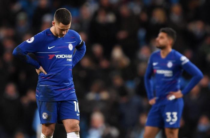 HLV Sarri mất kiểm soát phòng thay đồ CLB Chelsea.