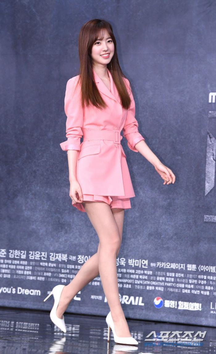 Joo Ji Hoon - Kim Kang Woo bảnh trai, tương tác ngọt ngào với Jin Se Yeon tại họp báo 'Item'