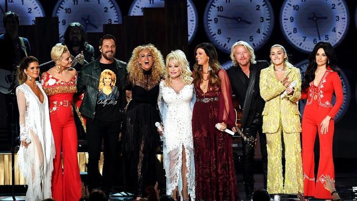 Thăng hoa cảm xúc cùng dàn nghệ sĩ tri ân huyền thoại Dolly Parton.