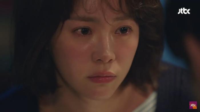 Dazzling tập 1: Han Ji Min say nắng Nam Joo Hyuk, chết cười khi Son Ho Joon bán máu để lén ăn thịt nướng ảnh 21