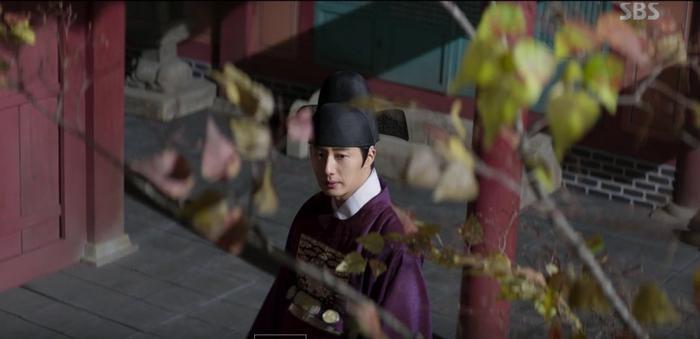 Haechi tập 1: Khán giả Hàn đẩy thuyền Jung Il Woo  Kwon Yul, khen Go Ara đẹp khi cải trang thành kỹ nữ ảnh 9