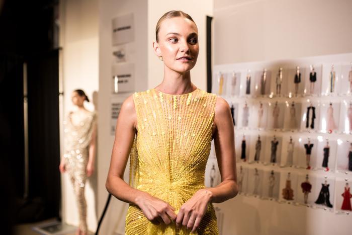 Choáng ngợp với dàn mẫu 'khủng' trong show của Công Trí tại New York Fashion Week