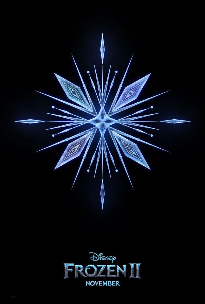 Frozen 2 cũng tung ra poster chính thức với hoa tuyết xinh đẹp ở trung tâm.