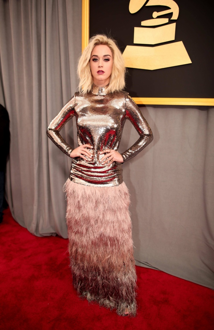 Người ngoài hành tinh, Nữ hoàng Ai Cập và giờ đây là robot: Katy Perry chính là biểu tượng Re-Invention thế hệ mới sau Madonna? ảnh 10
