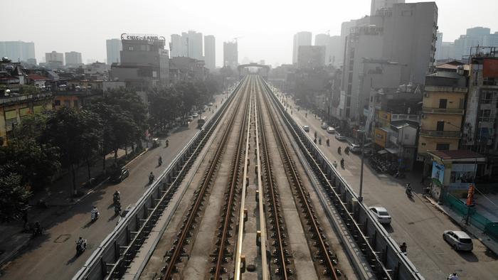 Đặc điểm nổi bật của đường sắt đô thị là ứng dụng công nghệ thông tin tín hiệu tự động trong chỉ huy vận hành hệ thống.