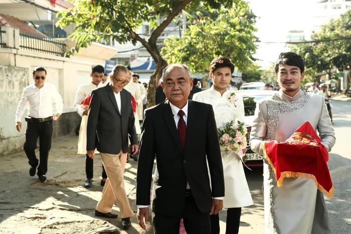 """NSƯT Việt Anh làm chủ hôn cho lễ Vu quy của sao nữ """"Gạo nếp gạo tẻ""""."""
