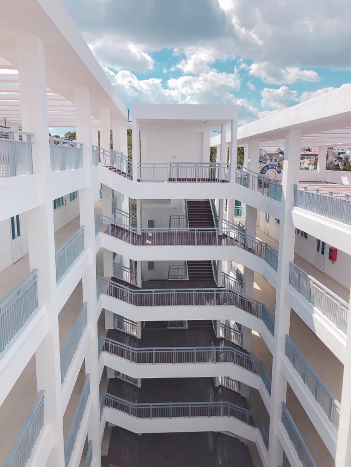 Tòa nhà mới của khoa Sư phạm.