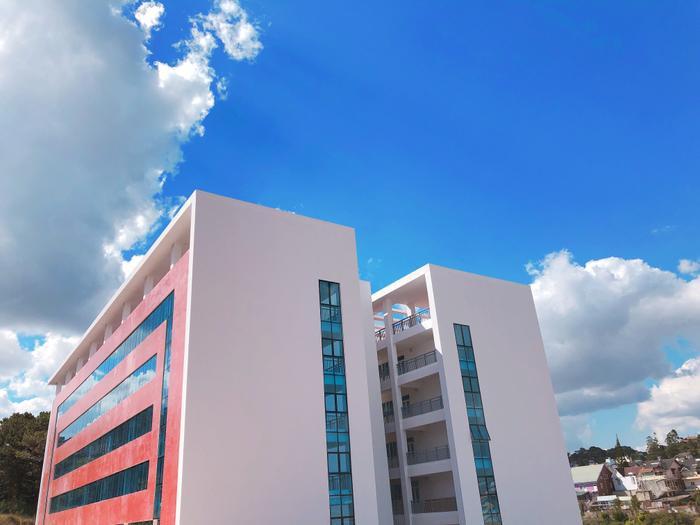 """Đại học Đà Lạt được coi là một trong những công trình kiến trúc tiêu biểu của """"xứ sở ngàn hoa""""."""
