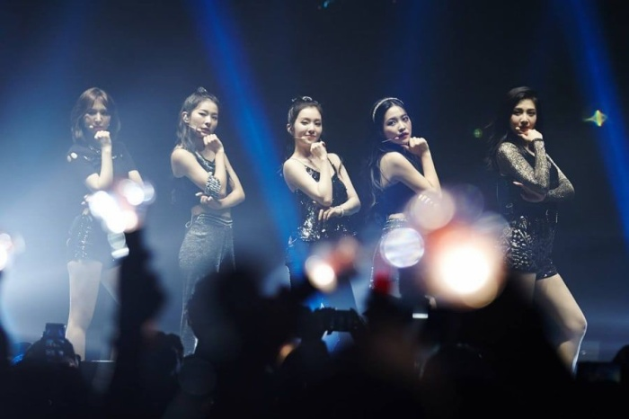 Red Velvet trong đêm concert tại Mỹ.