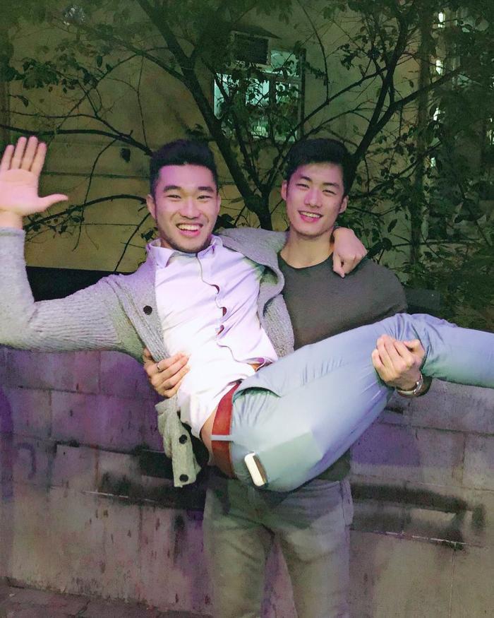 WaikinKwan và người bạn nam thân thiết tại Hong Kong.
