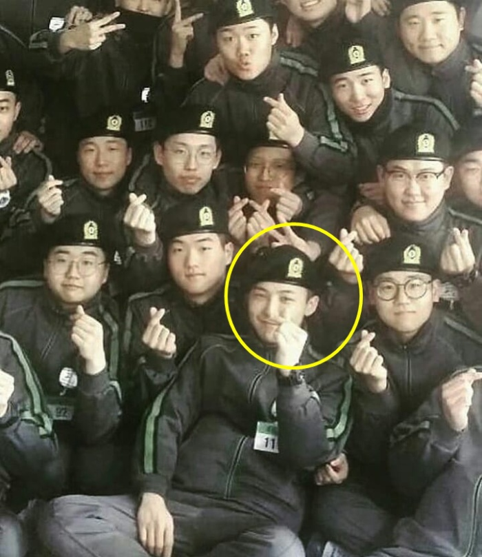G-Dragon (BIG BANG) bị tố đi nghĩa vụ không khác gì nghỉ dưỡng, 1 năm ra ngoài 100 ngày