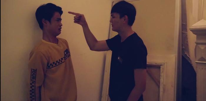 Tập 9 'Hoán đổi thanh xuân': Dám làm Xuân Hùng đau khổ, Kang Phạm bị đàn em của hot boy 'đánh ghen'?