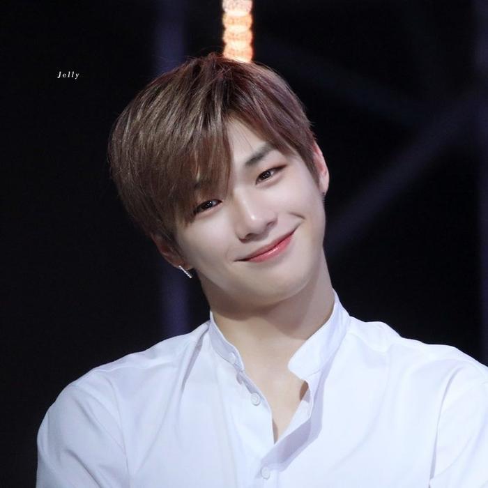 Chàng trai Kang Daniel.