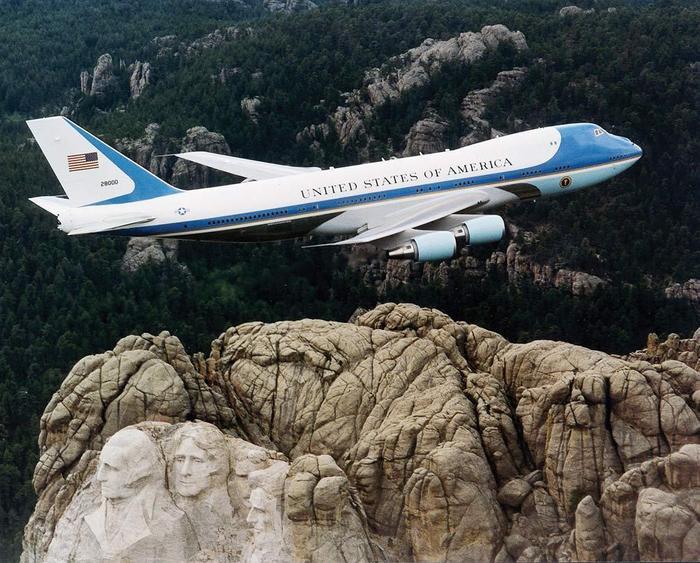 C-20C có nhiệm vụ đảm bảo tổng thống Mỹ được sơ tán an toàn trong trường hợp khẩn cấp. (Ảnh: Independence Day).
