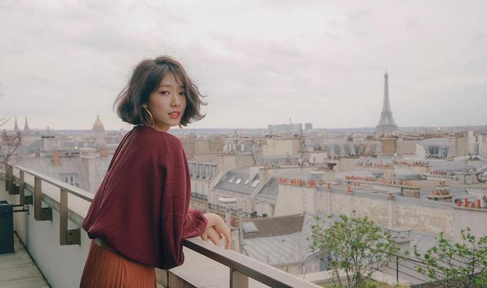 Park Shin Hye đẹp ngoạn mục tại show thời trang Valentino  Cha Eunwoo ăn sôcôla suốt kì thi thời học sinh ảnh 15