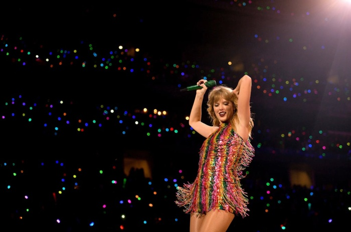 …Taylor Swift đã có thể sánh ngang hàng với các danh ca huyền thoại.