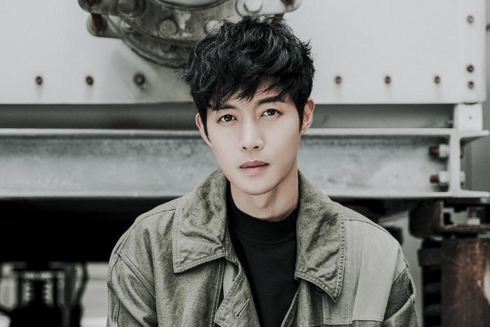 Kim Hyun Joong cũng tương tự!