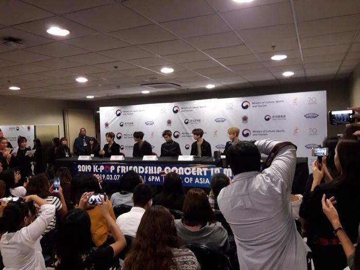 Stylist của NCT Dream bị fan dọa cho 'lên thớt' vì để các idol ăn mặc như mafia ảnh 0