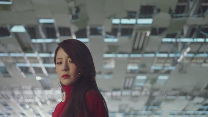 Dara xuất hiện xinh đẹp trong teaser mới của Park Bom: Một nửa 2NE1 sắp sửa tái hợp ảnh 1