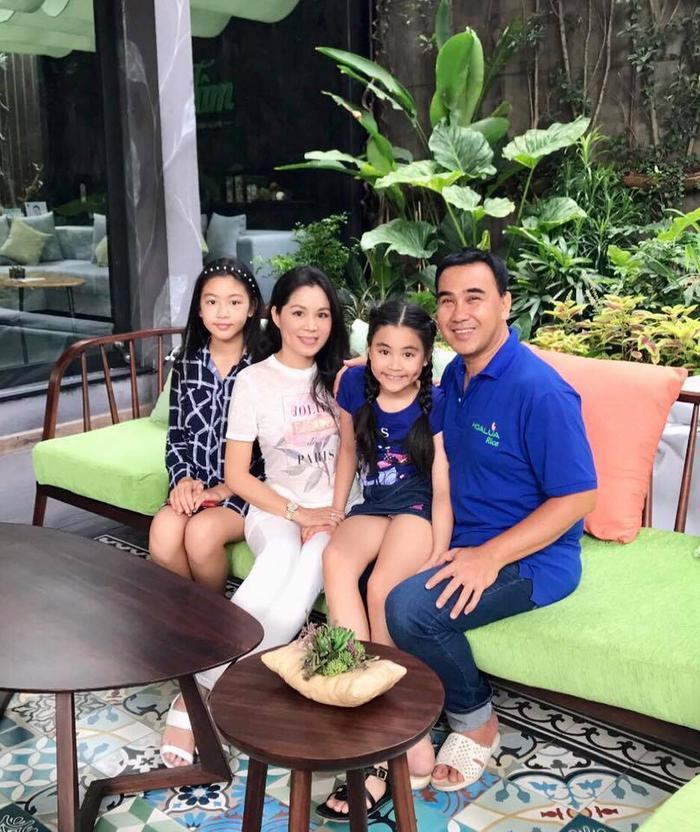 Gia đình hạnh phúc của MC Quyền Linh.