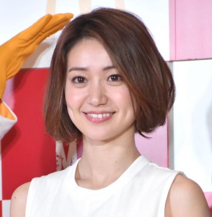 Cựu thành viên AKB48 Oshima Yuko đang hẹn hò với trai Tây?
