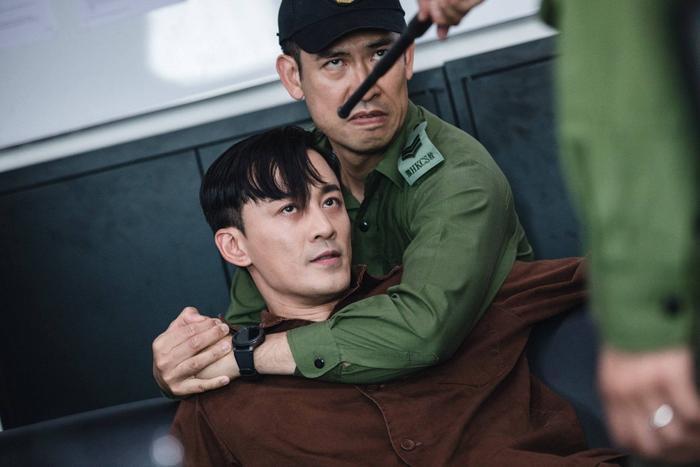 Lâm Phong: Vai diễn trong P Phong Bạo giải phóng ngọn lửa đang bùng cháy trong tôi ảnh 6