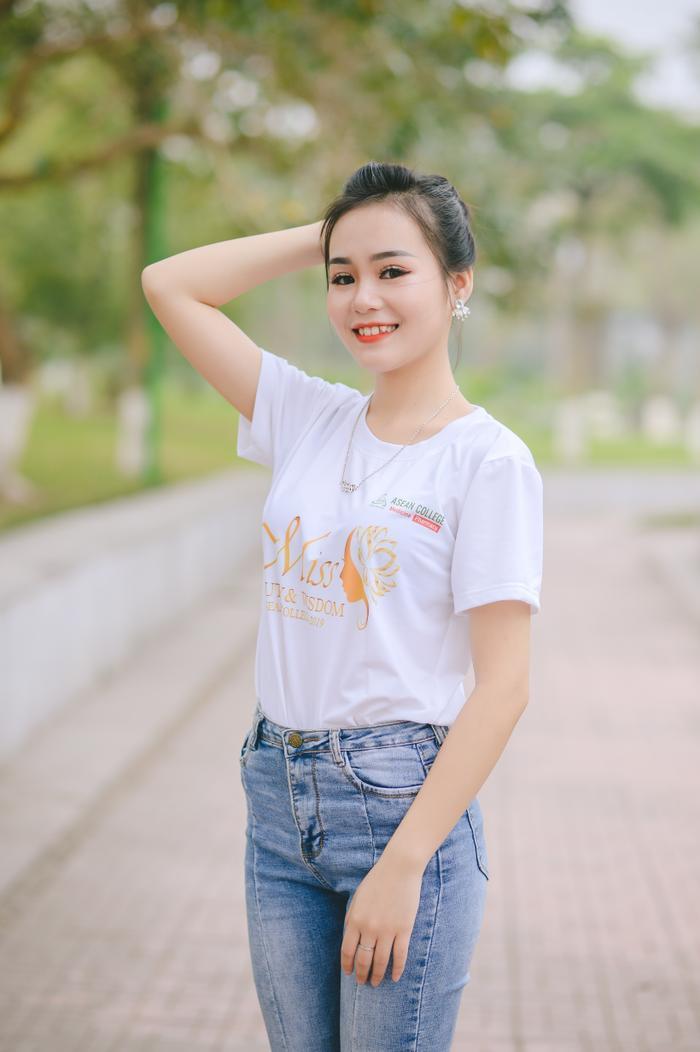 Hoàng Thúy Quỳnh (MA03) gây ấn tượng với vóc dáng mảnh mai và có tài năng múa ấn tượng.
