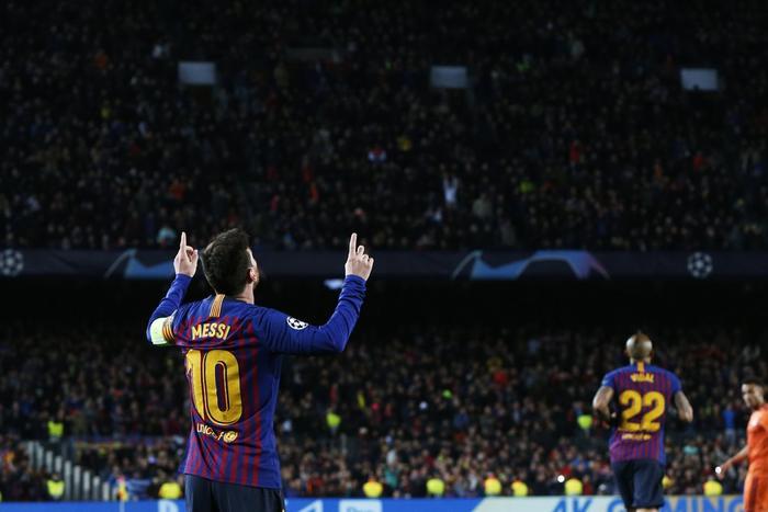 Messi trở thành cầu thủ chuyền bóng hay nhất châu Âu.