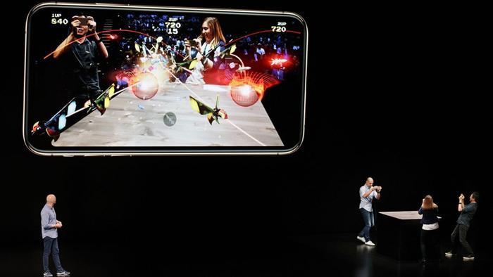 Đêm nay, Apple sẽ chính thức bước chân vào thế giới Hollywood và trở thành một công ty không chỉ có iPhone ảnh 4