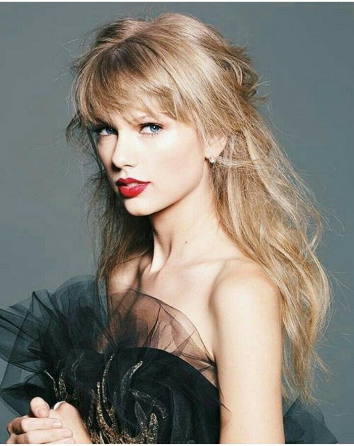 Taylor Swift có 2 MV xuất hiện trong top 100.