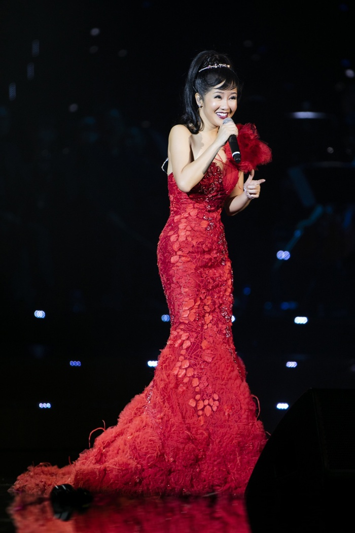 Đêm nhạc còn có sự góp mặt của Diva Hồng Nhung.
