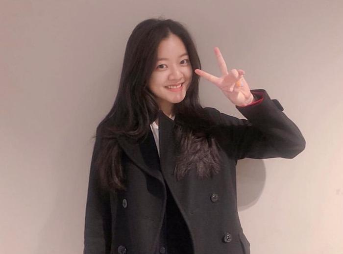 Tài tử Jung Woo Sung, dàn sao 'SKY Castle' và 30 nghệ sĩ tham dự công chiếu phim VIP của Yum Jung Ah