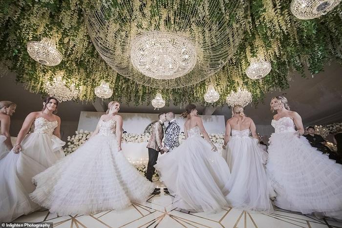 Đám cưới siêu hoành tráng của cặp đôi.