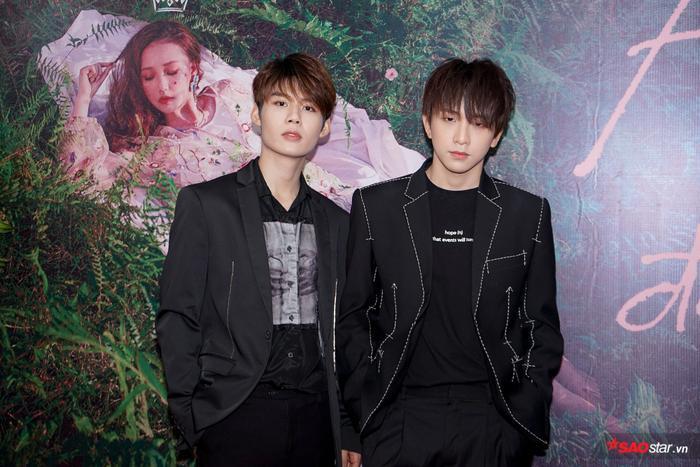 2 thành viên của Uni5