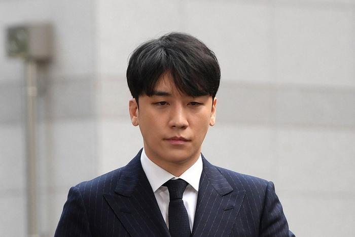 Lịch nhập ngũ của Seungri tiếp tục dời ngày để phục vụ điều tra các cáo buộc phạm tội ảnh 3