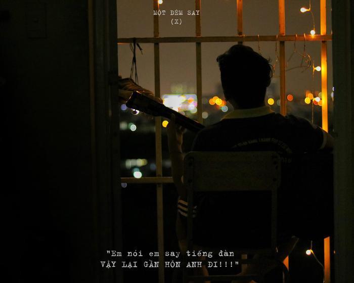Ngất ngây bộ ảnh 'Một đêm say' cực lãng mạn của những chàng sinh viên 'dân kinh tế-kỹ thuật' tại ban công phòng KTX