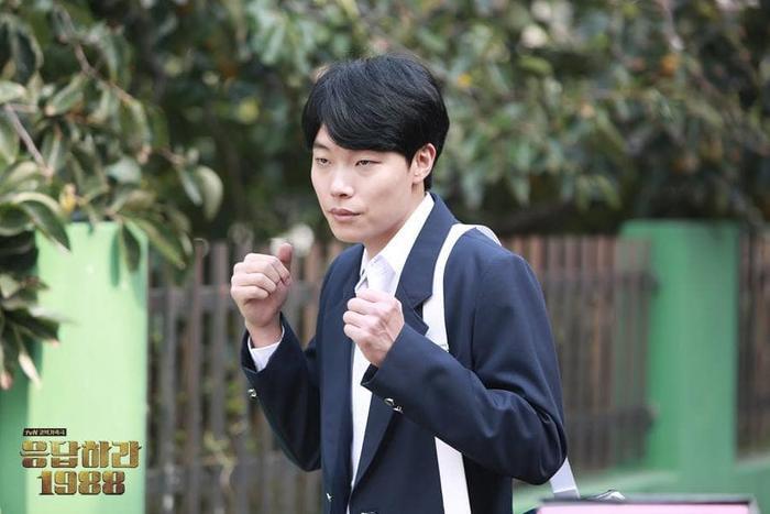 """Ryu Jun Yeol trong bộ phim ăn khách """"Reply 1988"""". Vào thời điểm phim lên sóng, nam diễn viên đã 30 tuổi."""