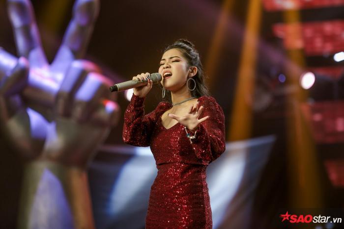 Vòng Giấu mặt: Khánh Linh chịu gấp đôi thử thách để nhận lấy suất vé duy nhất từ HLV Hồ Hoài Anh ảnh 2
