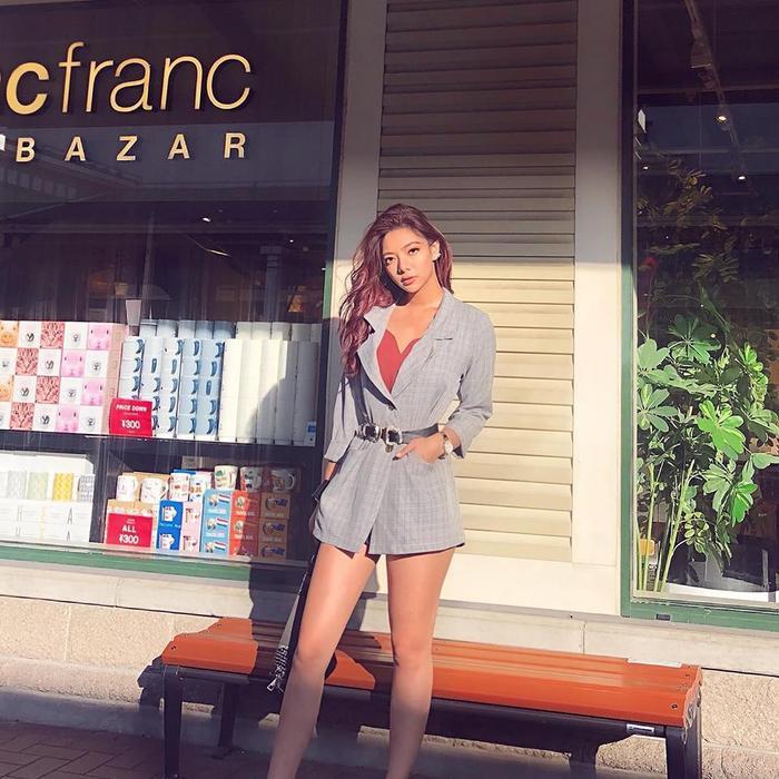 Ngoài năng khiếu với võ thuật, Katleen còn có thể nhảy như một vũ công chuyên nghiệp và rất đam mê bộ môn nghệ thuật này. Cô nàng từng là thành viên của East2West - một nhóm cover dance K-pop nổi tiếng.