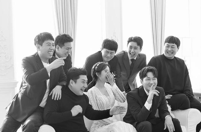 Đám cưới Lee Yong Jin: Cô dâu giống Yoo In Na, Super Junior  Yoo Jae Suk và nhiều sao tham dự ảnh 1