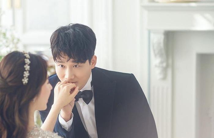 Đám cưới Lee Yong Jin: Cô dâu giống Yoo In Na, Super Junior  Yoo Jae Suk và nhiều sao tham dự ảnh 0