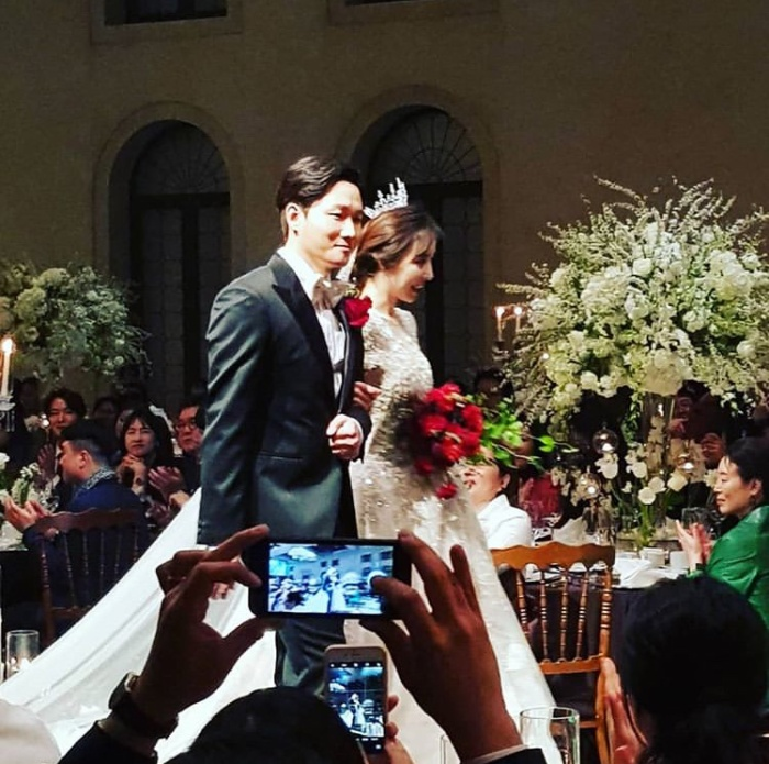 Đám cưới Lee Yong Jin: Cô dâu giống Yoo In Na, Super Junior  Yoo Jae Suk và nhiều sao tham dự ảnh 4
