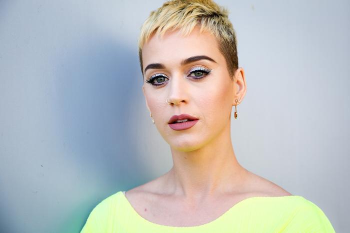 Kiểu tóc này đây đã bị chê là khiến cho Katy Perry già nua ra hẳn.