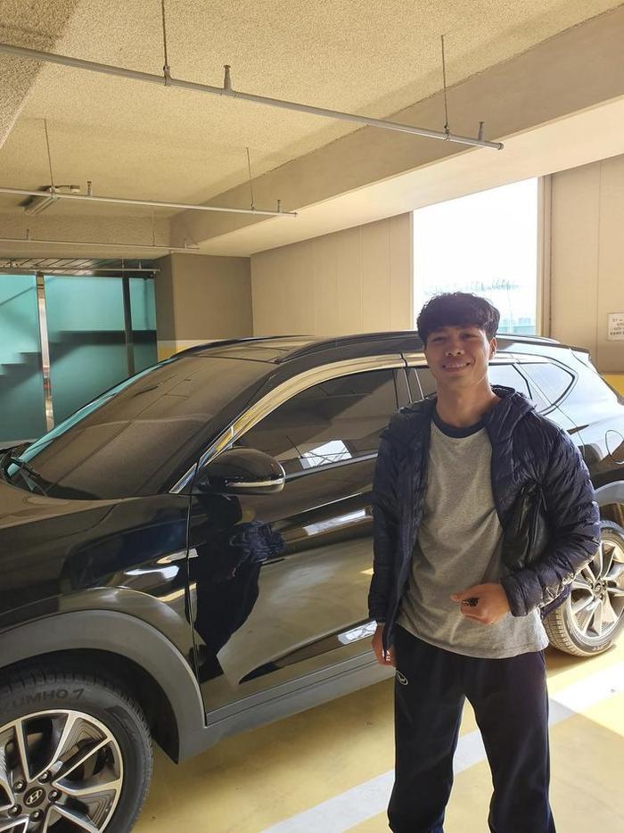 Công Phượng hé lộ trải nghiệm 'khó đỡ' khi lần đầu lái ô tô ở Hàn Quốc