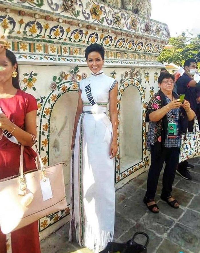Và hình ảnh H'Hen Niê trong khuôn khổ tham gia các hoạt động bên lề Miss Universe.